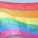 """Exigen no penalizar a los ayuntamientos que """"ensalzan"""" la bandera LGTBI"""